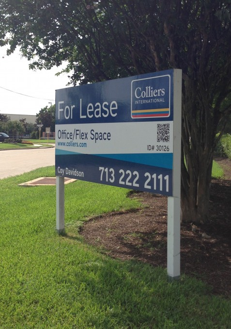 Leasing sign photo